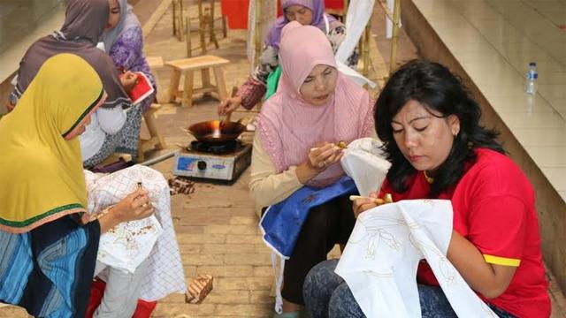 Batik Ibu-ibu Rusun