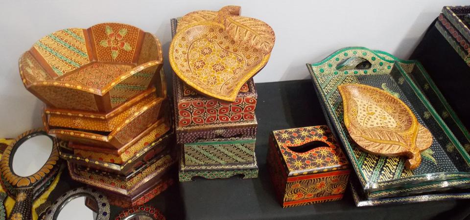 Pesona Kerajinan Batik Kayu Mendunia