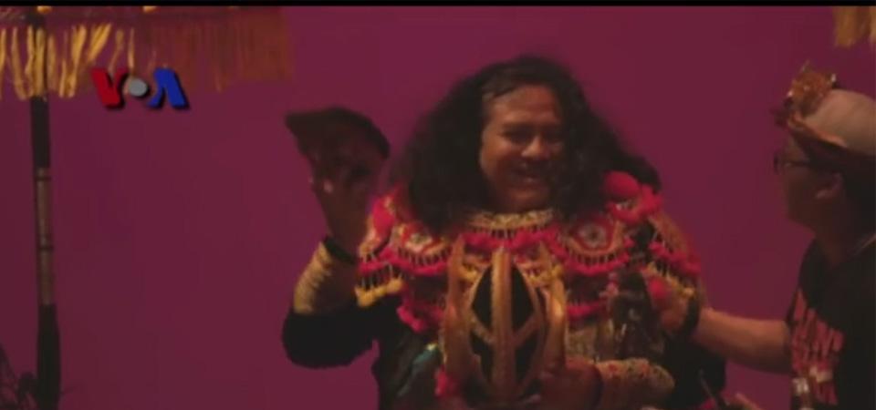 Konser Bali 'Beats of Paradise',  Dubes Umar Hadi  Ikut Menari