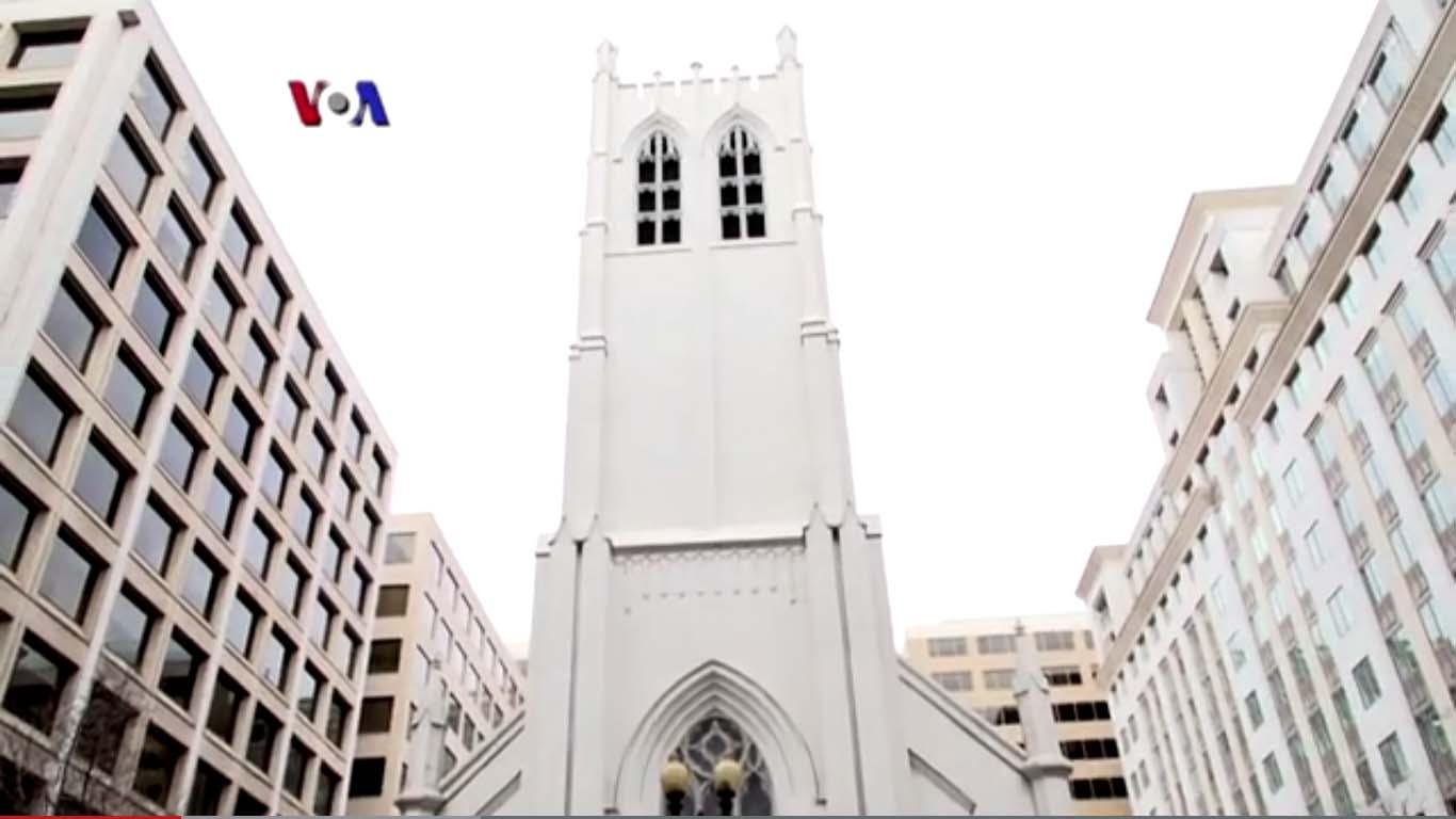 Ketika Gereja Berbagi Ruang untuk Sholat Jumat