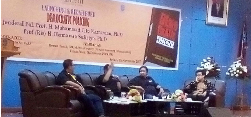 "Kapolri Luncurkan ""Kitab Kuning"" Kepolisian Era Demokrasi"