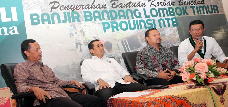 KAHMI Salurkan Bantuan Bagi Korban Banjir Lombok