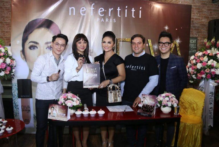 """Nefertiti Paris Launching """"17 Warna Diva Lipcream Matte"""""""