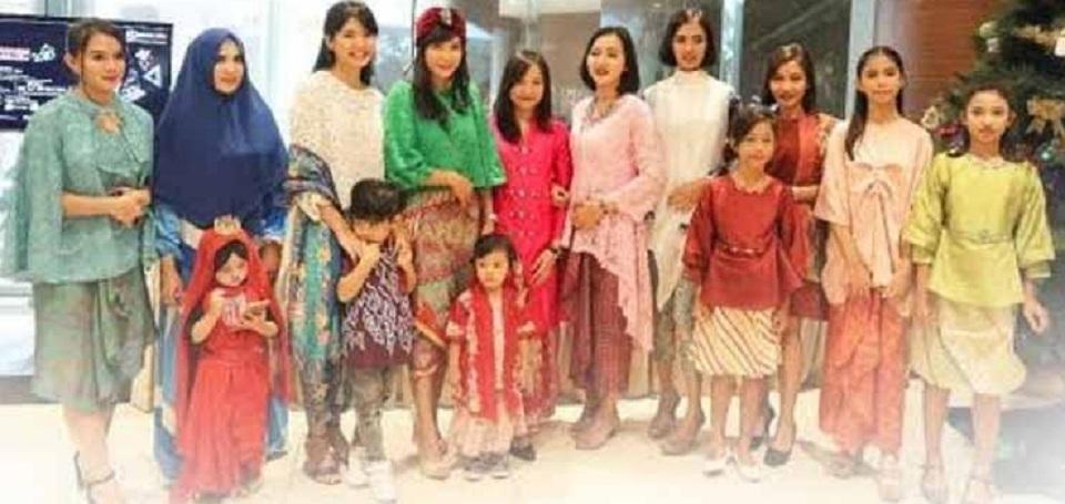 Batik Fashion Lunch: A Tribute for Supermom