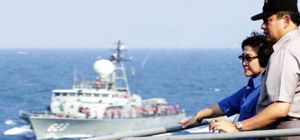 Megawati Menunjuk Laut, SBY Tersenyum di Sampingnya