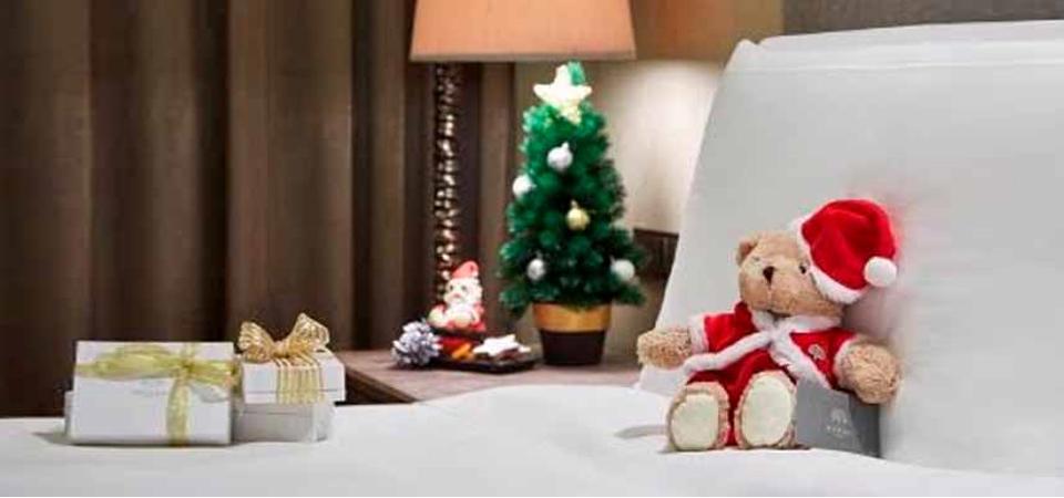 Kemeriahan Natal dan Tahun Baru di Raffles Hotel Jakarta