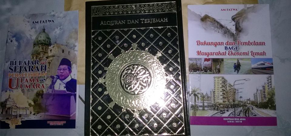 Menjenguk AM Fatwa, Dikasih Alquran