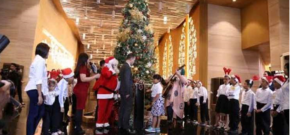 Christmas Tree Lighting di Grand Mercure Jakarta Kemayoran