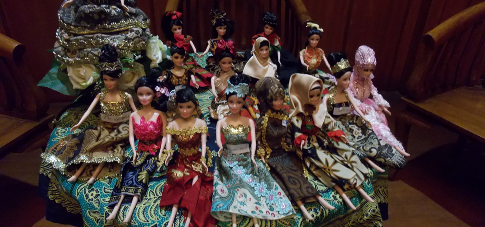 Cantiknya Barbie 'Batik Girl' Karya Para Napi