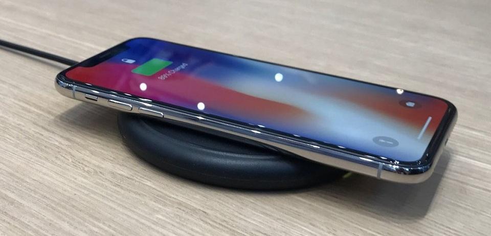 China Temukan Pengisian Instan Baterai iPhone