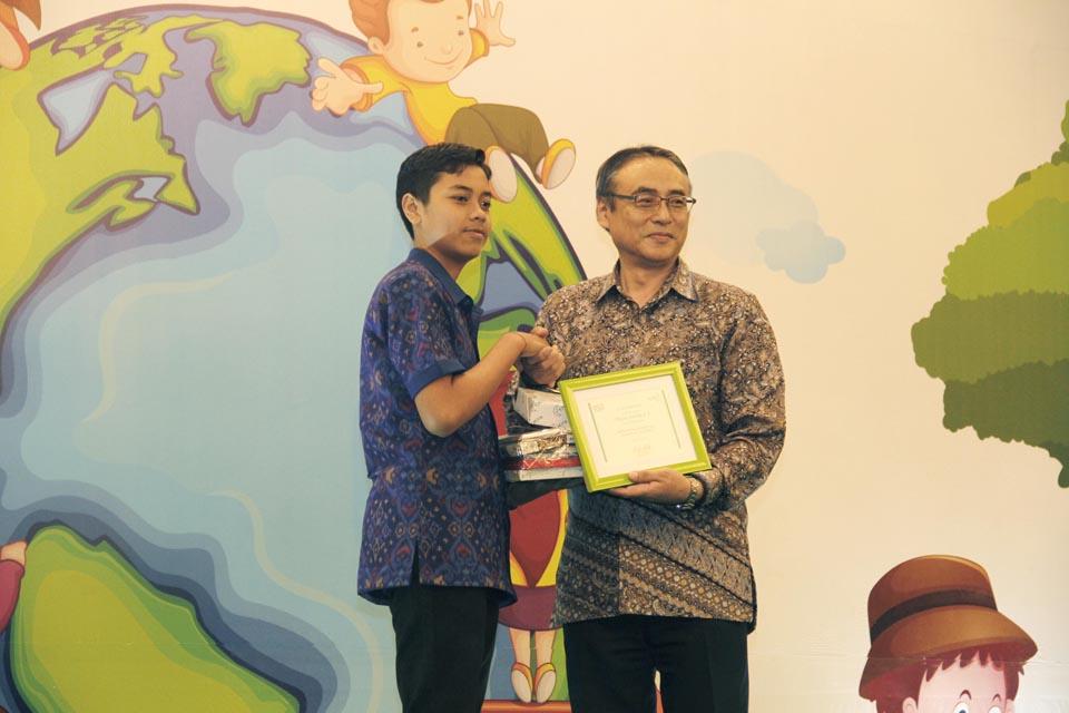 Kao Indonesia  Ajak  Anak Ungkapkan Harapan Melalui Lukisan