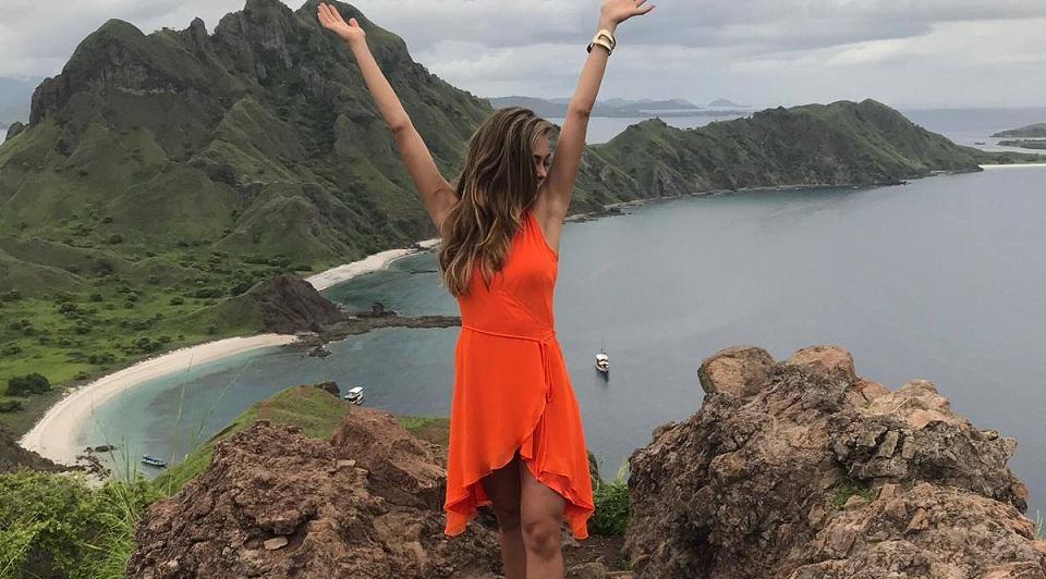 Ciuman Miss Universe 2017 di Pulau Komodo