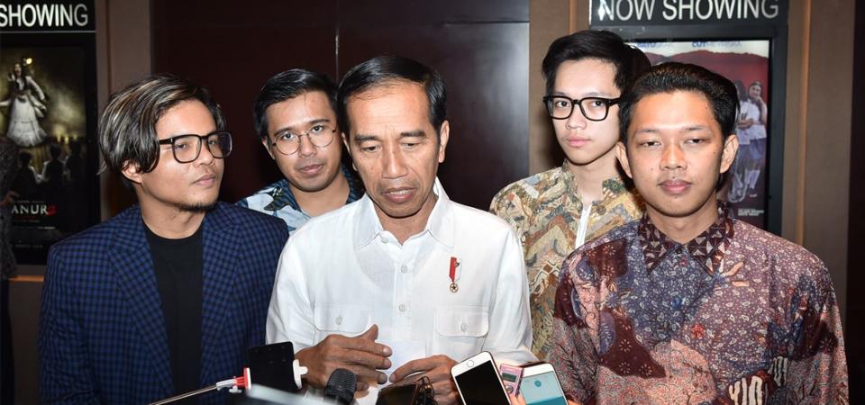 "Jokowi Nonton Film ""Yowis Ben"" di Malang"