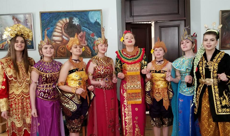 Lagu Kebyar-kebyar Berkumandang di Kiev