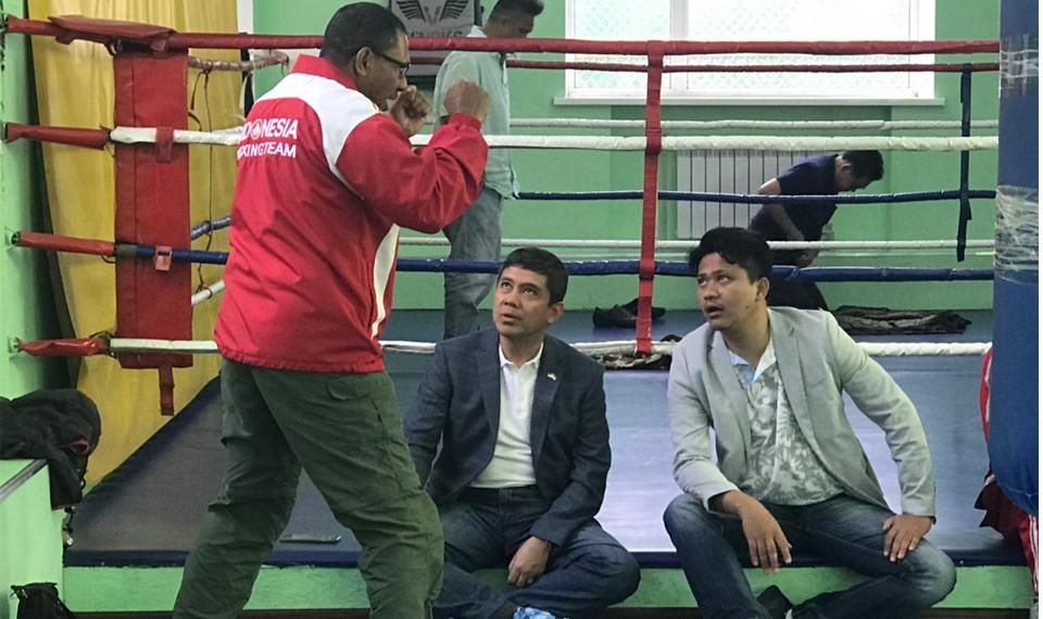 Kisah Profesor Boxer Menggembleng Petinju Indonesia di Ukraina