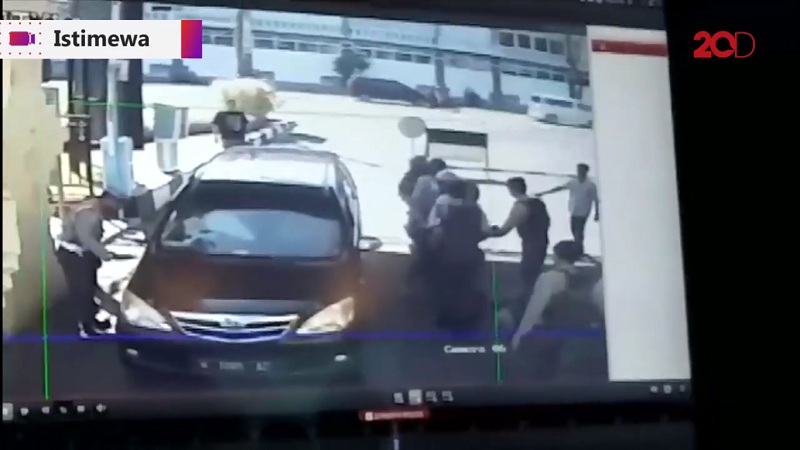 Pemotor Pasutri Diduga Pelaku Bom di Mapolresta Surabaya