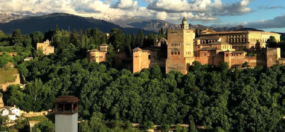 Nikmatnya Buka Puasa di Masjid Agung Granada Spanyol