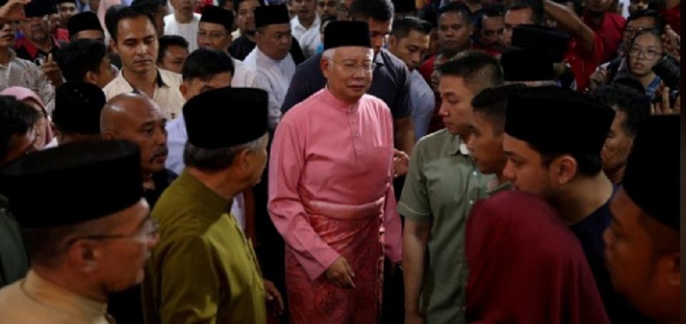 Mau Buang Pusing di Indonesia, Mantan PM dan Istri Malah Dilarang Tinggalkan Malaysia