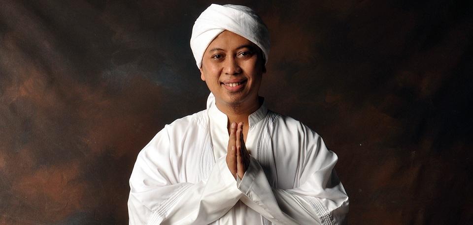 Opick ikut Menyanyi di Album Kompilasi 'Ramadhan Penuh Cinta'