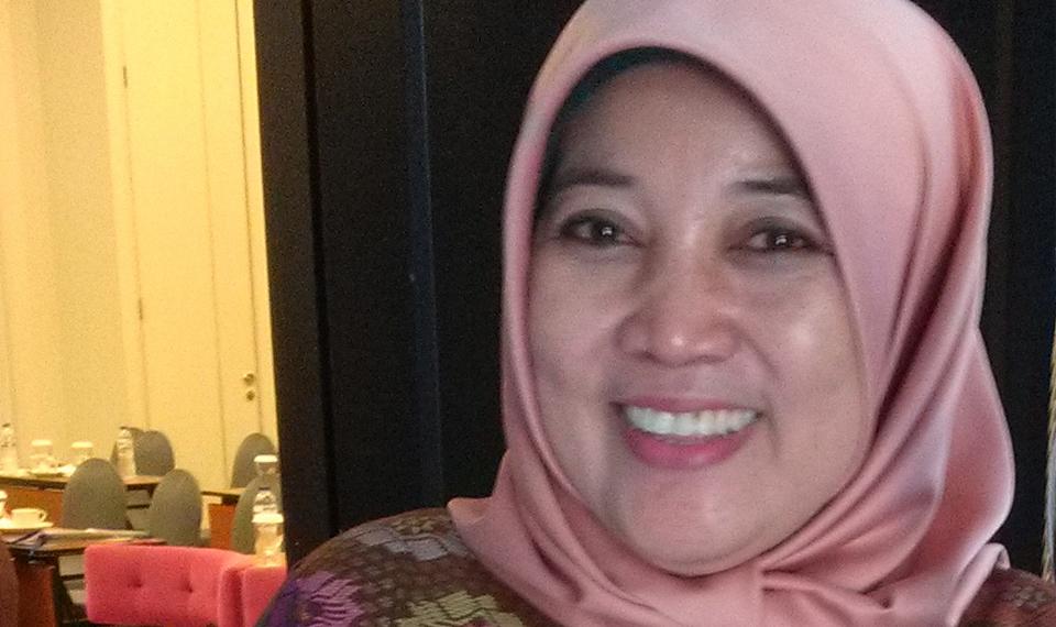 Yatti Surtiyati, si Cantik Penggiat Koperasi