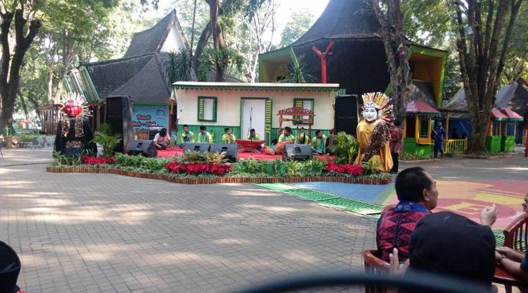 Kampung Betawi di Pasar Seni Ancol diresmikan Wagub DKI Jakarta Sandiaga Uno, Rabu (13/6/2018).
