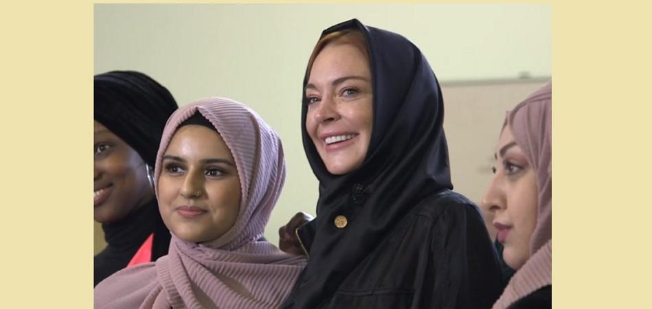 Lindsay Lohan Bersyukur, Ramadhan Mengajarinya Menjadi Wanita Hebat
