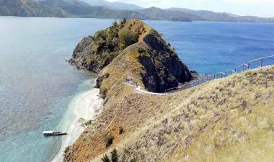 Keindahan Pulau Dua di Luwuk