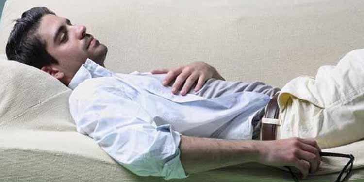 Tidur di Sofa tak Baik untuk Tubuh