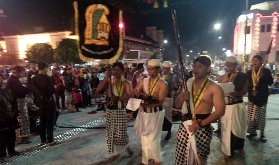 Dhahar Kembul Jenang Lemu di Malam Tirakatan Harlah Pancasila