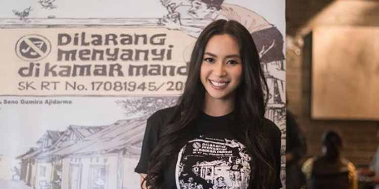 Puteri Indonesia 2014, Elvira Devinamira Dilarang Menyanyi