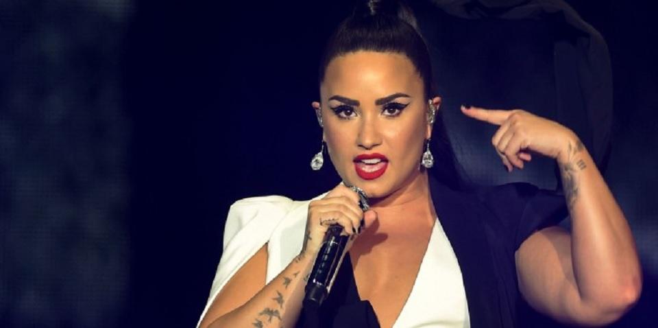 Demi Lovato dilarikan ke rumah sakit
