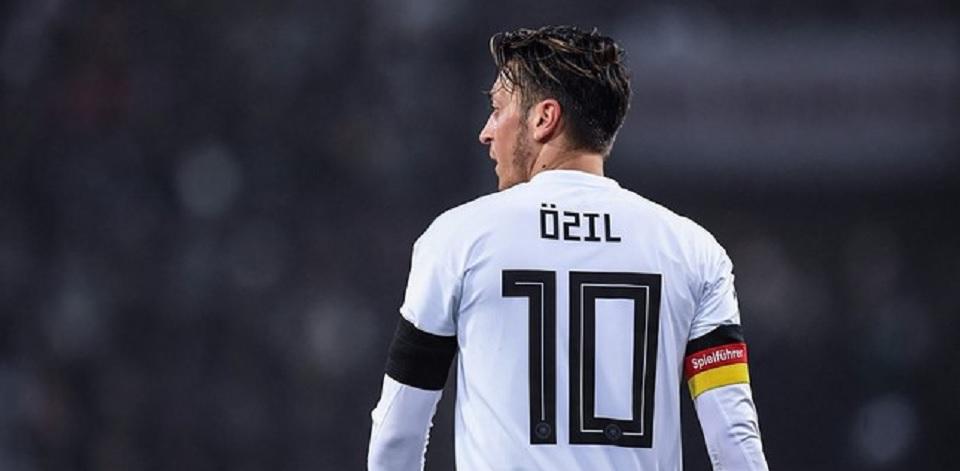 Situasi Özil  cerminkan realitas horor di Jerman