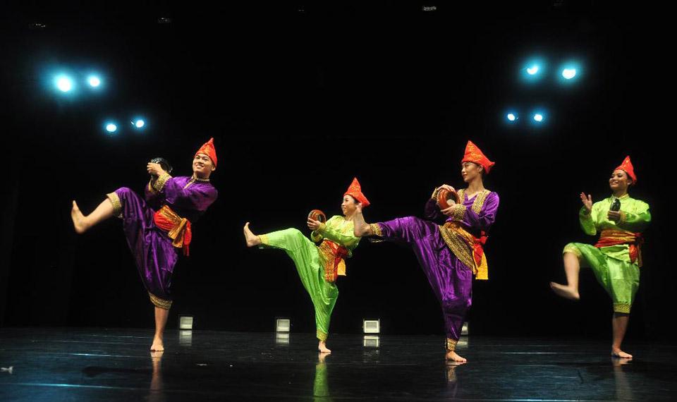 """Indonesia Dance Company Kembali Hadir dengan Tema """"It's Showtime"""""""