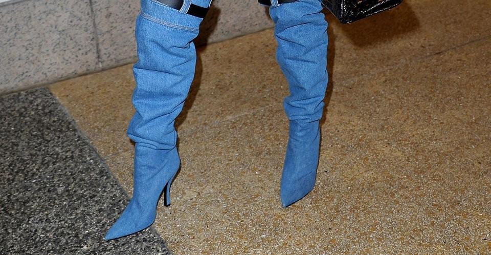 J.Lo, Ada Apa dengan Selara Sepatumu?