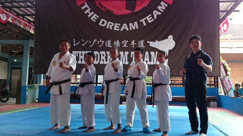 """""""The Dream Team"""" di Lembah Depok"""