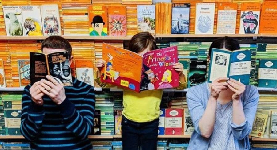 Thebookfamilyrogerson, Keluarga yang Dikuasai Buku