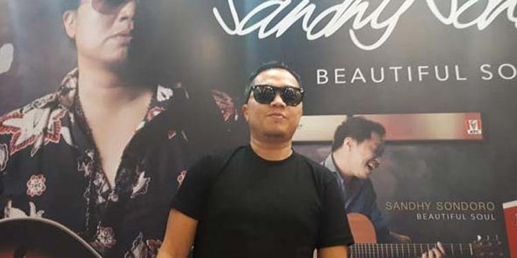 Sandhy Sondoro Rilis Album Baru Beautiful Soul