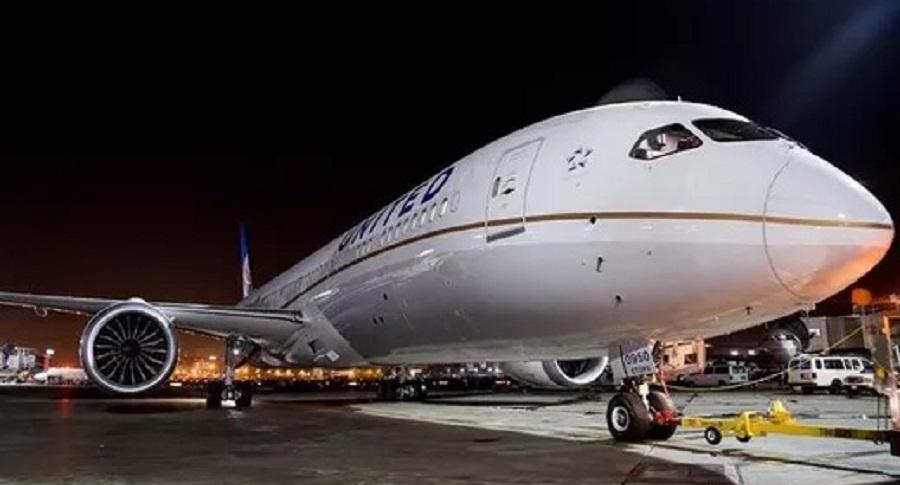 United Airlines Pamerkan  Boeing 787-10 Dreamliner Pertamanya
