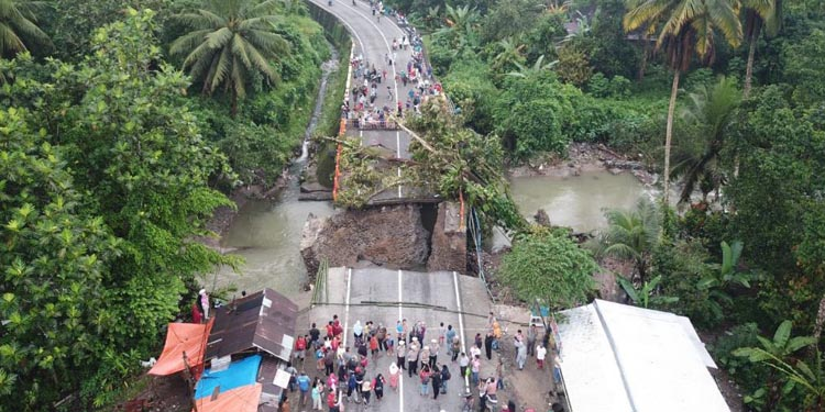 Ketua DPR Bamsoet Minta Penanganan Bencana Dilakukan Secara Terpadu