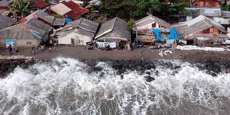 Tsunami Selat Sunda: 'Bukan Nakut-nakuti, Bagaimana Kesiapan Jakarta?'