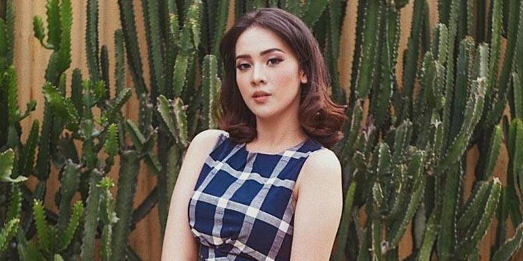 Tusuk Jelangkung di Lubang Buaya, Debut Anya Geraldine Main Film