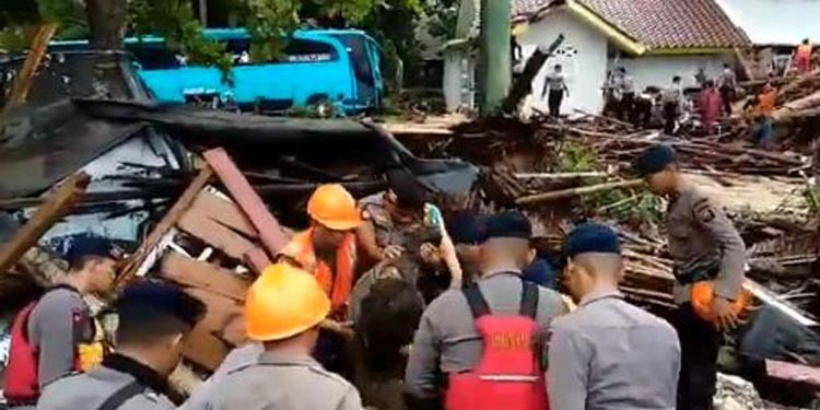 Update Tsunami Selat Sunda: 168 Meninggal 745 Luka-luka