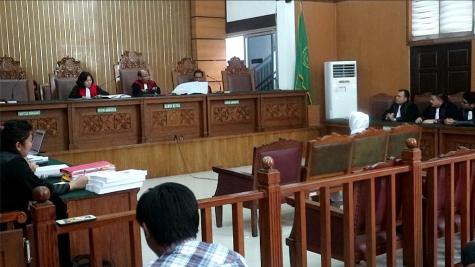 Pengacara Gagal Hadirkan Saksi, Pedangdut Sisca Dewi Shock