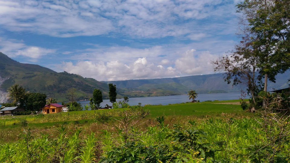 Wisata Jemput Bola ala Danau Toba