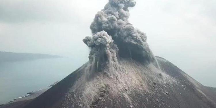 Alhamdulillah! Aktivitas  Anak Krakatau Turun, Potensi Tsunami Kecil