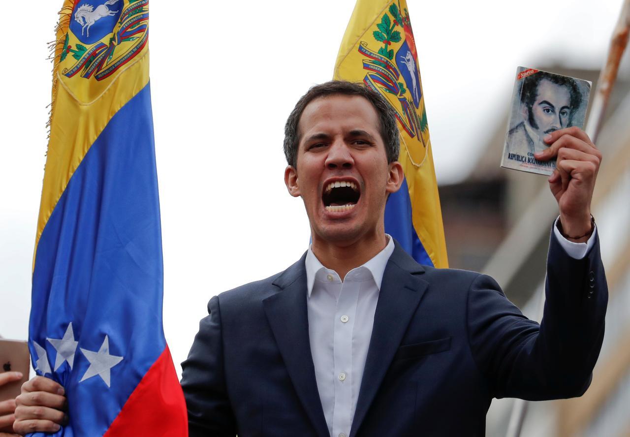 Perebutan Kekuasaan di Venezuela Setelah Inflasi 2 Juta Persen