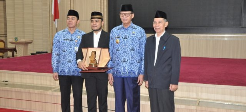 Juara II MTQ Internasional Dapat Kadeudeuh dari Gubernur Banten