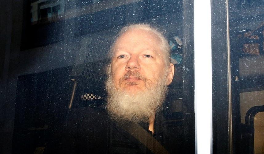 Assange Ditangkap, Trump: Bukan Urusan Saya