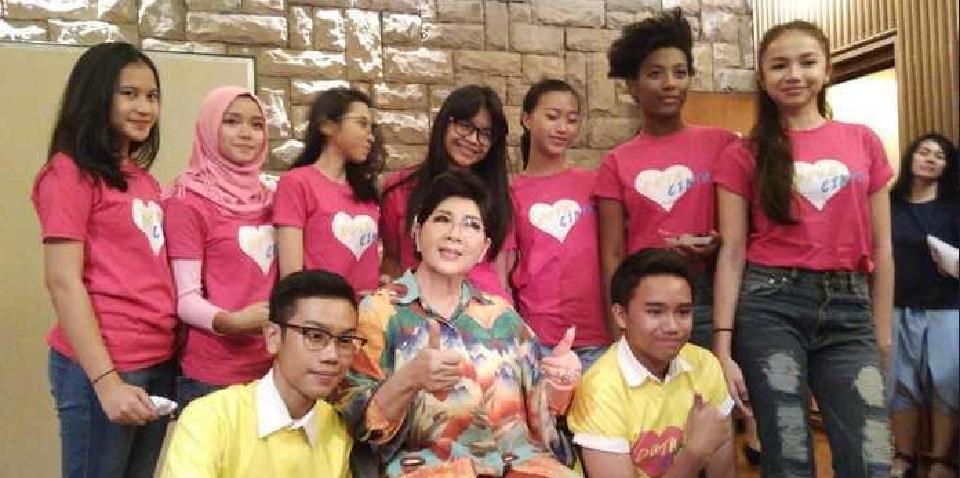 Titiek Puspa Unjuk Kebolehan bersama Anak Anak di 'Hey Tayo'