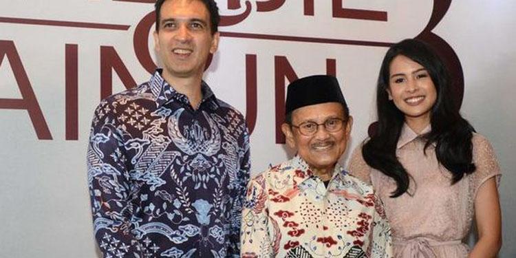 BJ Habibie Puji Akting Maudy Ayunda yang Jadi Ainun
